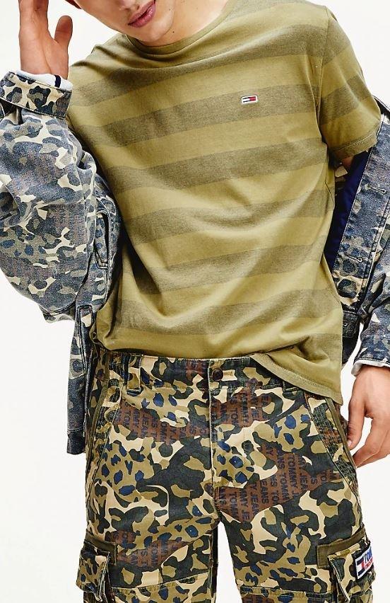 TOMMY JEANS Herren T-Shirt Bold Stripe Uniform Olive Stripe